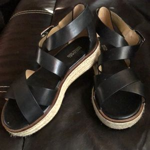 Micheal kids size  6 brand new wore ones